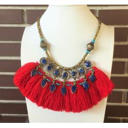 Collar afgano con monedas y lapislazuli y lana rojo