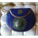 CLUTCH ETNICO HINDÚ MOSAICO AZUL, forrado en piedras azul, turquesa y rojo