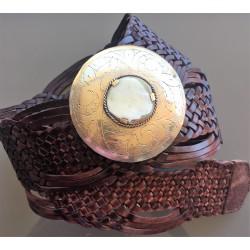 Nana and Jules boho chic Cinturón trenzado de piel marroquí con incrustación de cuerno y hebilla redonda 114cm
