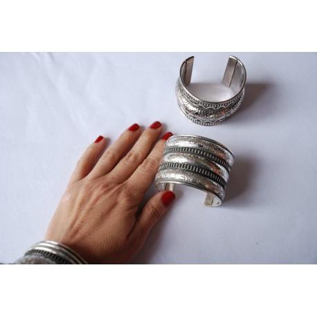 Nana and Jules boho chic Wide brass brazalet silver