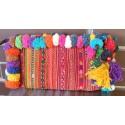 Bolso baldora, tribal bordado, con pompones y cremallera. Hecho en Tailandia