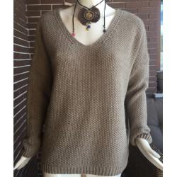 Jersey over size tejido color beige cuello en pico