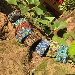 Nana and Jules boho chic Brazalete de mostacillas, hecho a mano en Guatemala
